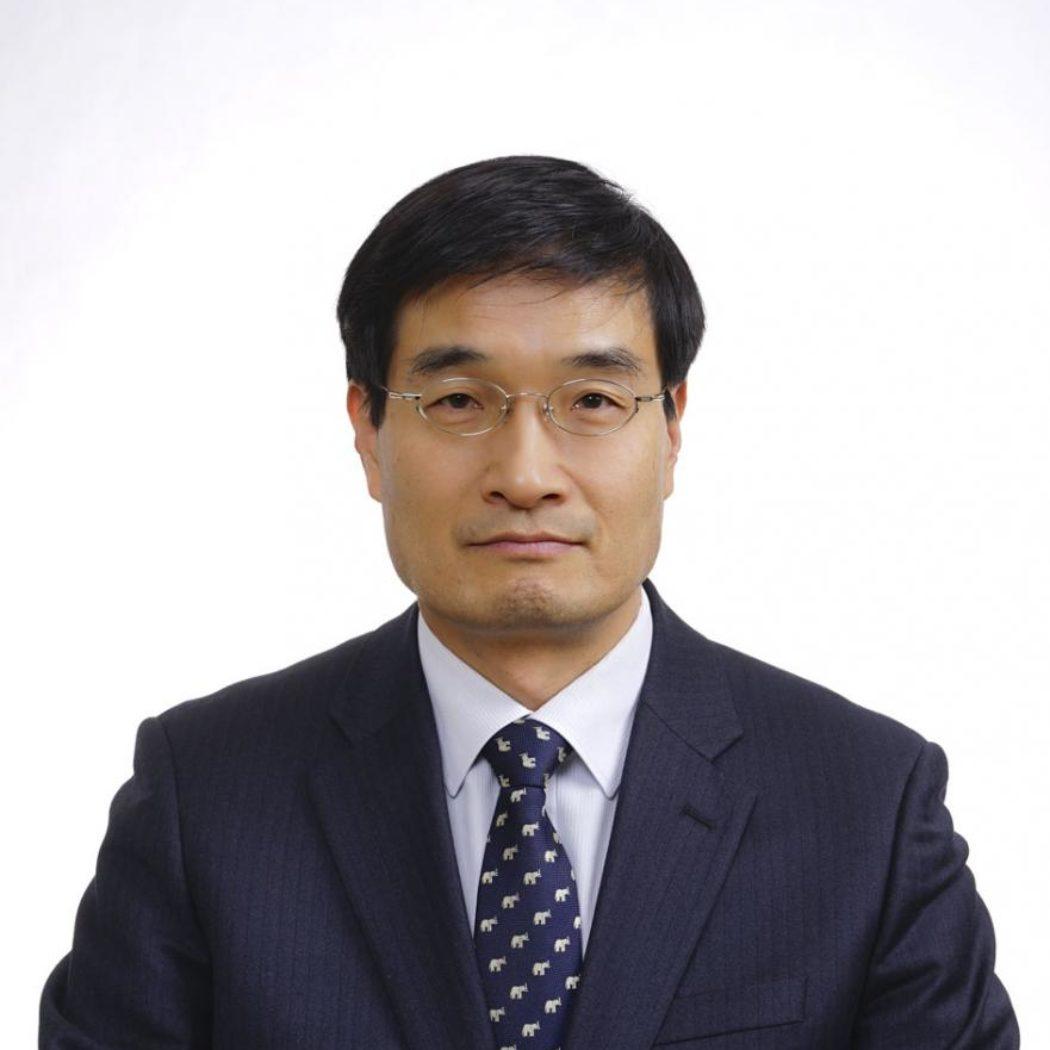 Headshot of Byung Hwa Chung